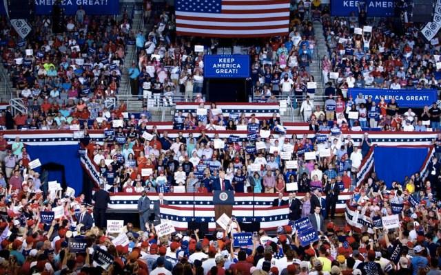 Logramos que México no esté en el debate electoral en Estados Unidos, afirma AMLO - Donald Trump Mitín