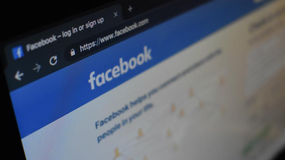 Facebook se pronuncia tras caída en el sistema - Foto de Con Karampelas para Unsplash
