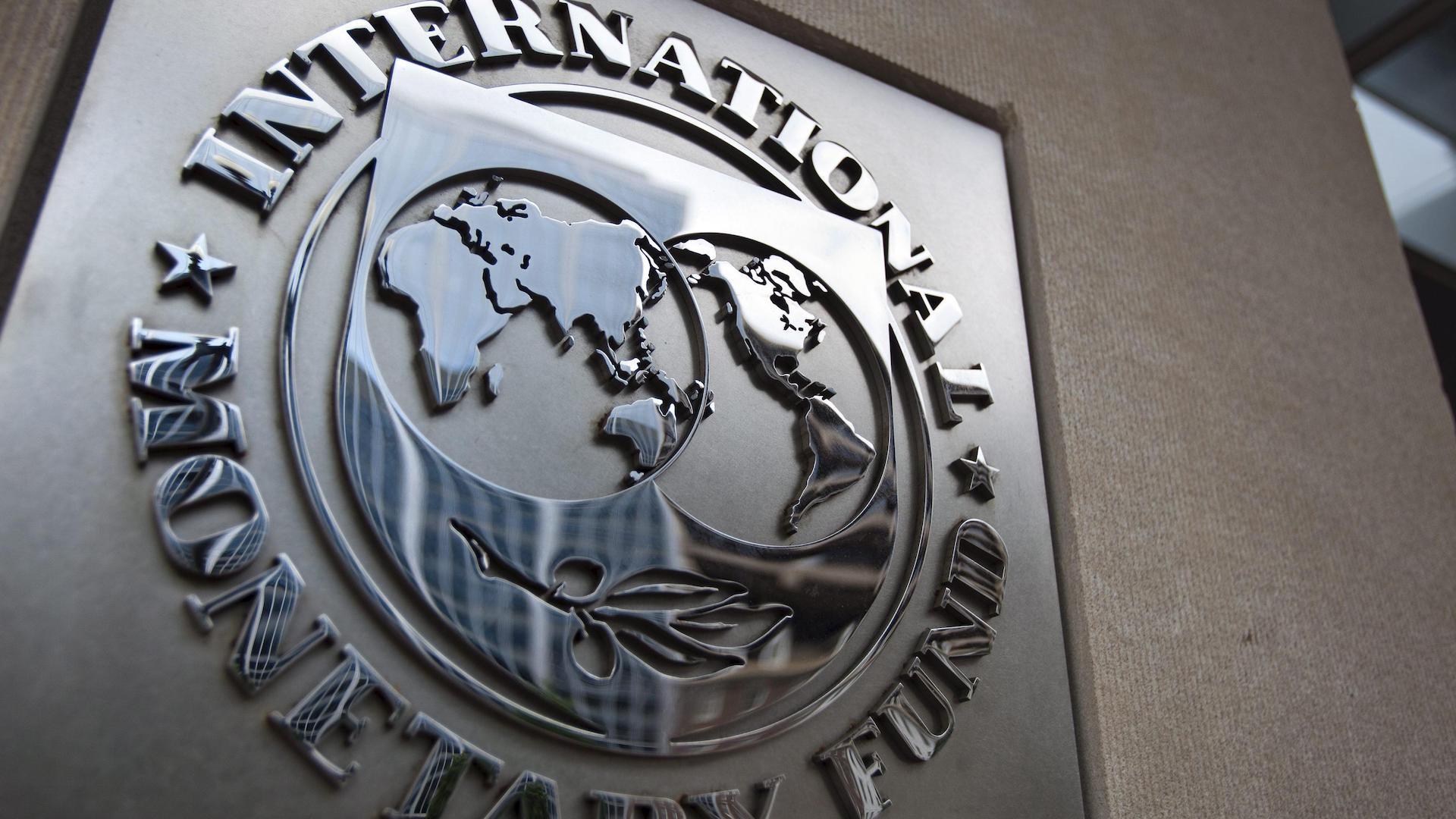 Rebaja FMI previsión de crecimiento a 0.9% para México en 2019