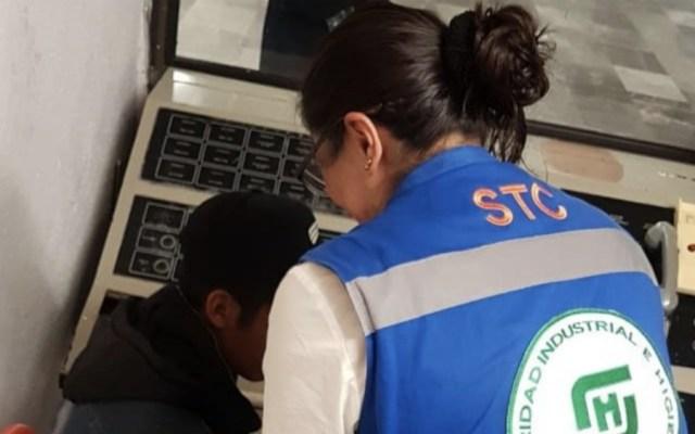 Metro auxilia a guatemalteco abandonado en estación Tacubaya - Foto de @MetroCDMX