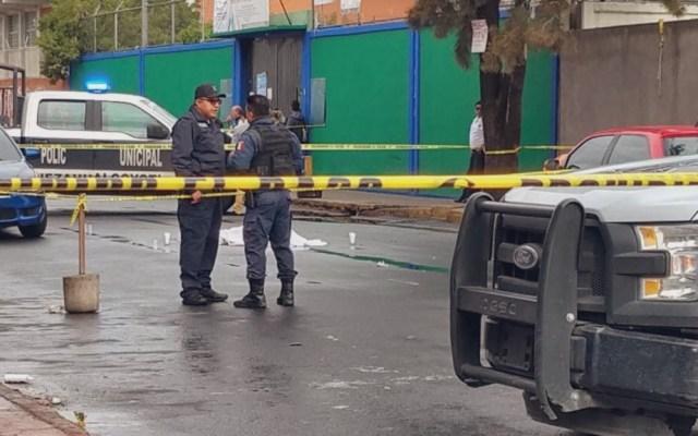Vinculan a proceso a hombre que asesinó a niño de ocho años en Neza - Hombre asesinado frente a escuela de Nezahualcóyotl. Foto de @LupitaJuarezH