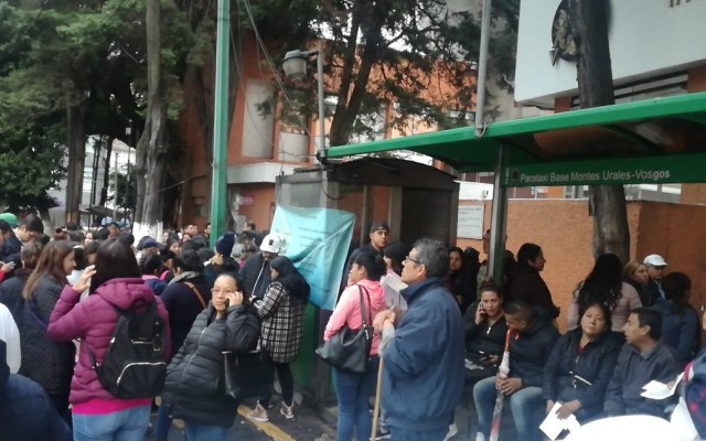 Descartan daños por sismos en la Ciudad de México - Ante la 'sacudida', desalojaron el Hospital de Perinatología de la Ciudad de México. Foto de @alfonsobizcom