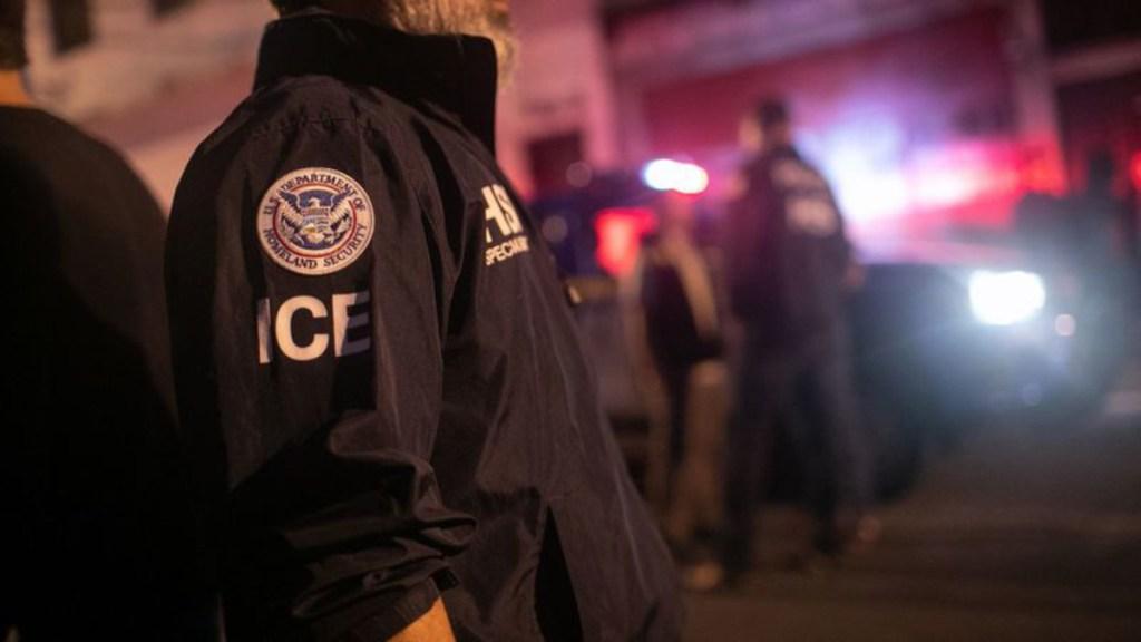 EE.UU. deporta a 10 mil migrantes en medio de pandemia - ice redadas masivas nueva york