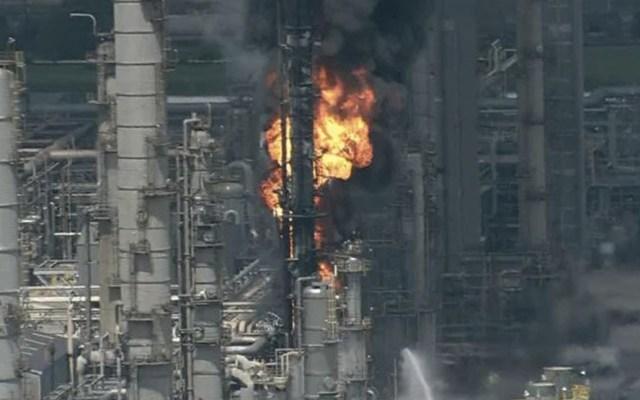Explosión e incendio en refinería de Houston - Captura de pantalla