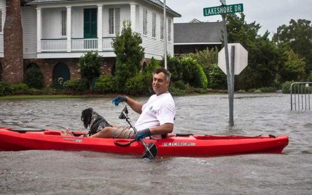 Barry mantiene alerta de inundación en Louisiana pese a debilitamiento - Inundación en Luisiana por Barry. Foto de Julie Dermansky