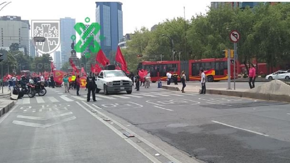 Cierran carriles centrales de Paseo de la Reforma por marcha. Noticias en tiempo real