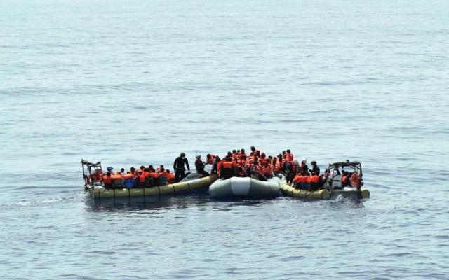 Italia prohíbe desembarco de migrantes a sus costas - Foto de EFE
