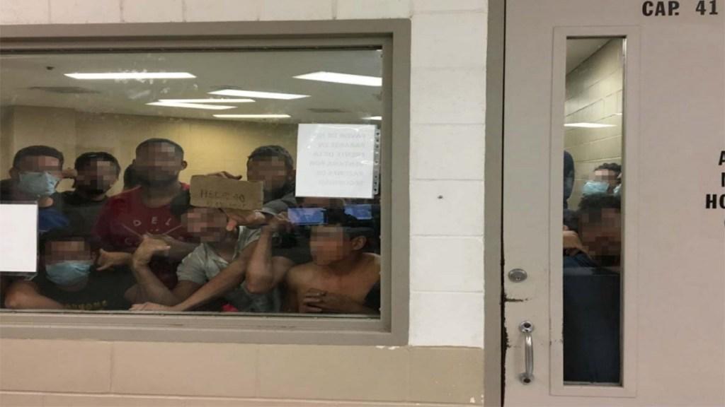 Migrantes piden ayuda por condiciones en centros de detención en Texas - migrantes detenidos ayuda