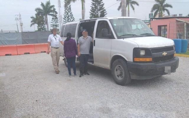 Aseguran a tres migrantes centroamericanos en Tamaulipas - Padre e hija migrantes. Foto de SSP Tamaulipas