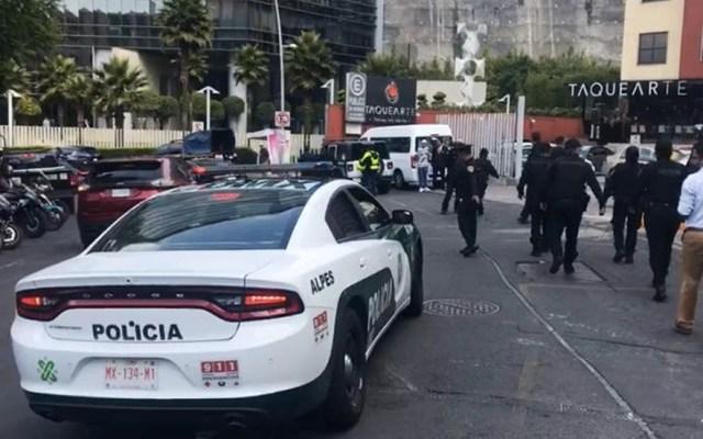 Investigan asalto en lobby de hotel en Santa Fe - Santa Fe asalto lobby Hotel