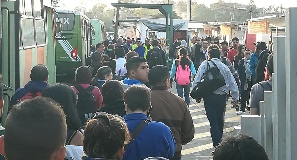 Suspenden servicio del Tren Ligero CDMX por falla en riel - Servicio de RTP en estación Tasqueña del Tren Ligero CDMX. Foto de @SpinGarcia