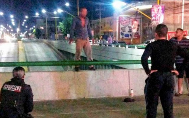 #Video Impiden suicidio de hombre en Aguascalientes - suicidio bomberos aguascalientes