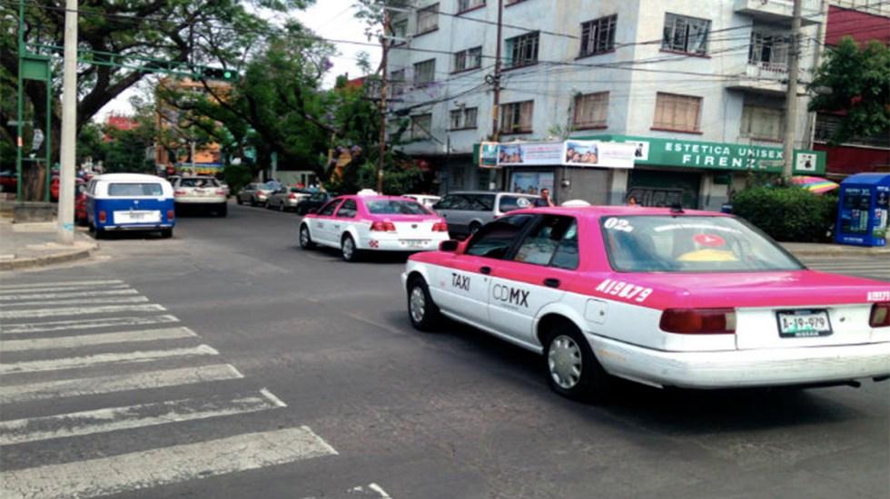 Taxistas que no participaron en protesta aprovechan alta afluencia de pasajeros - Taxis Ciudad de México