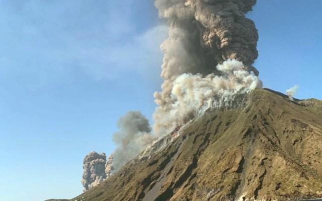 Un muerto y un herido por explosiones volcánicas en isla italiana - Foto de EFE