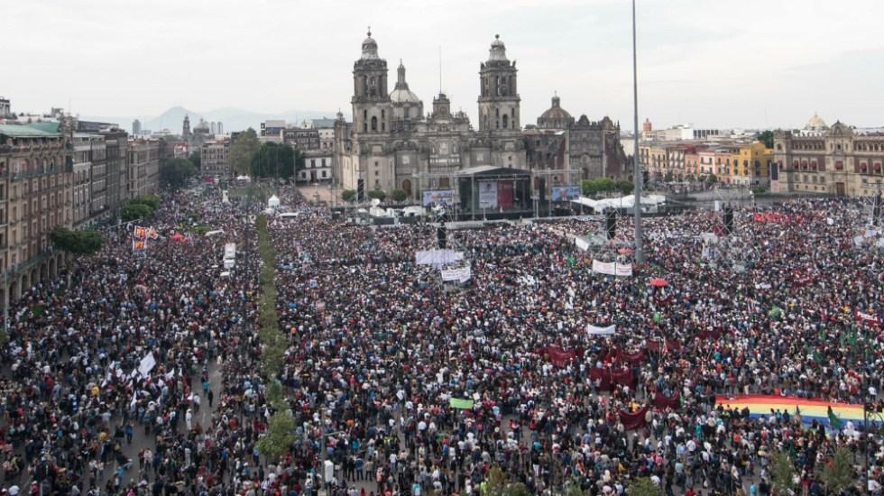Declara INE improcedentes medidas cautelares a AMLO por evento en el Zócalo - Foto de Notimex