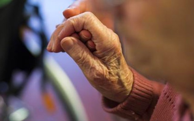 Anciana de 70 años muere tras ser violada y golpeada en su casa - anciana