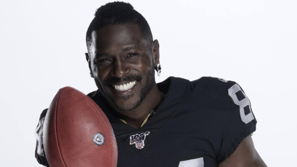 Antonio Brown interpuso nueva demanda vs NLF por tema del casco
