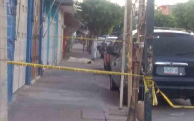 Asesinan con cuchillada en el cuello a hombre en León - Asesinato de hombre en León, Gto. Foto de Noticieros en Línea