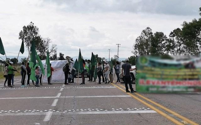 #Video Campesinos realizan bloqueos en diversos estados del país - Foto de PF Carreteras