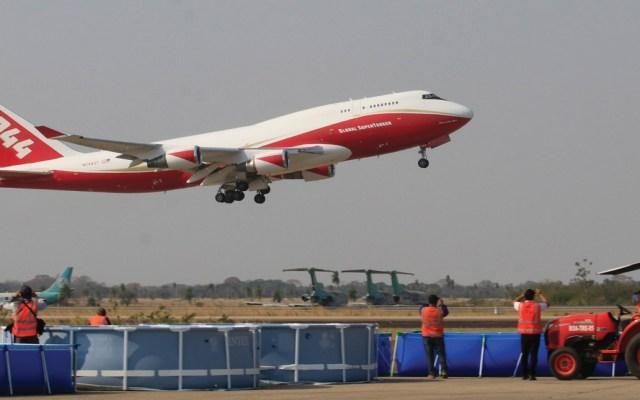 Un Boeing 747 Supertanker, conocido como el avión bombero más grande del mundo, comienza operaciones para combatir incendios en Bolivia - Foto de EFE