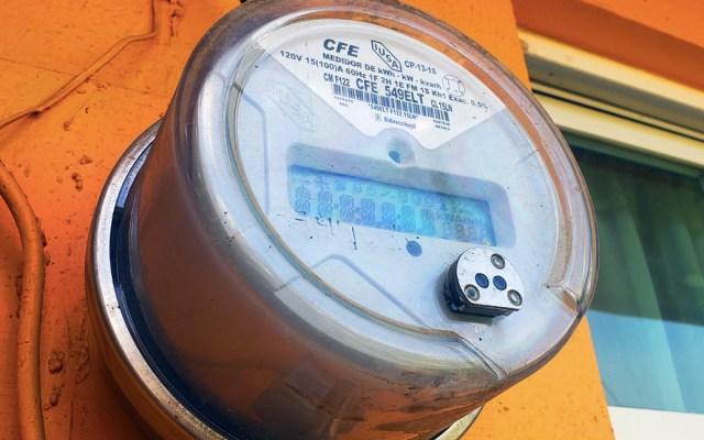 Detienen a hombre que quiso estafar negocio de la Cuauhtémoc vestido como empleado de la CFE - CFE medidor Comisión Federal de Electricidad