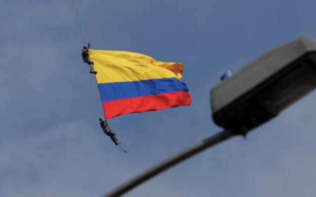 #Video Mueren dos oficiales en Feria de las Flores de Medellín - Captura de pantalla