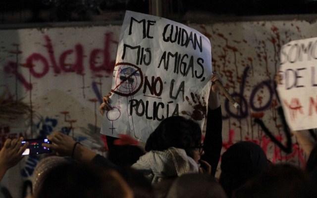 CDMX prepara plan en favor de la seguridad y respeto a las mujeres - Consigna de marcha feminista en la CDMX. Foto de Notimex