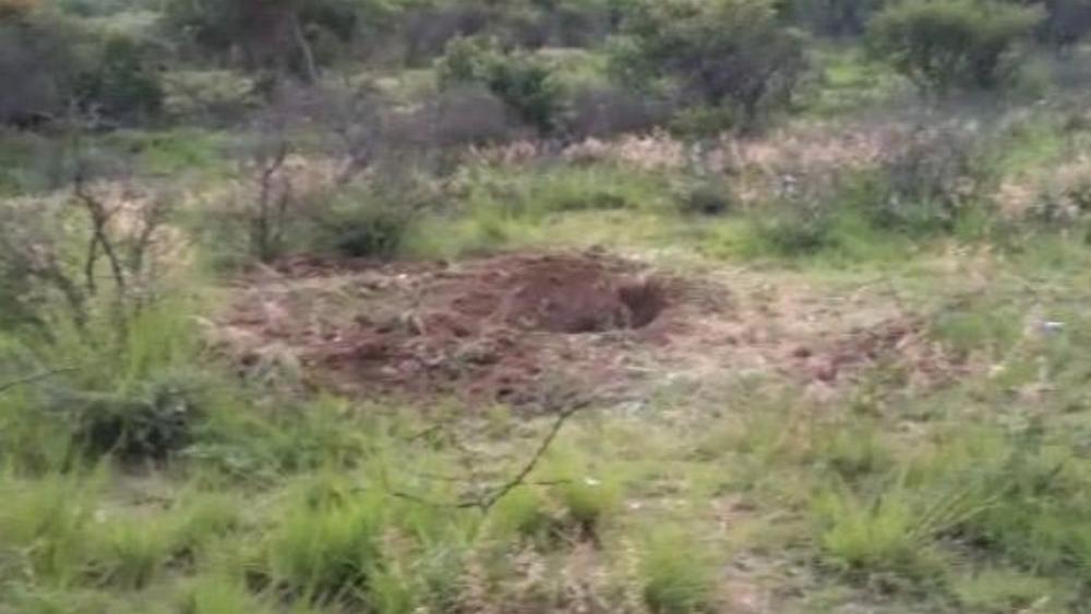 Fiscalía de Guanajuato saca restos humanos de fosa clandestina en Celaya - Foto de @milenio_leon