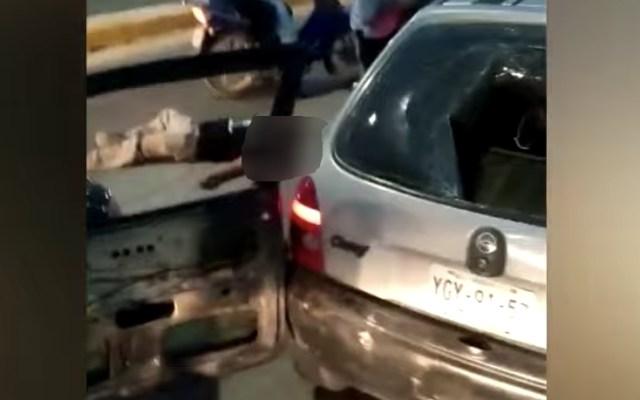 Sobrevive hombre que golpearon y atropellaron en Puebla - Captura de pantalla