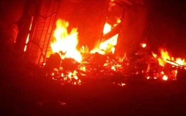 Mueren cuatro personas al incendiarse camioneta en Veracruz - incendio camioneta veracruz muertos