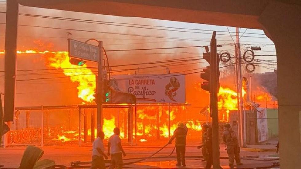 Hallan sin vida a presuntos incendiarios de restaurante en Querétaro - Incendio del restaurante La Carreta del Pacífico. Foto de Diario de Querétaro