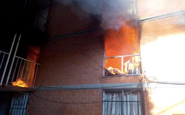 Se incendia edificio en Santa María Aztahuacán, Iztapalapa - incendio edificio iztapalapa