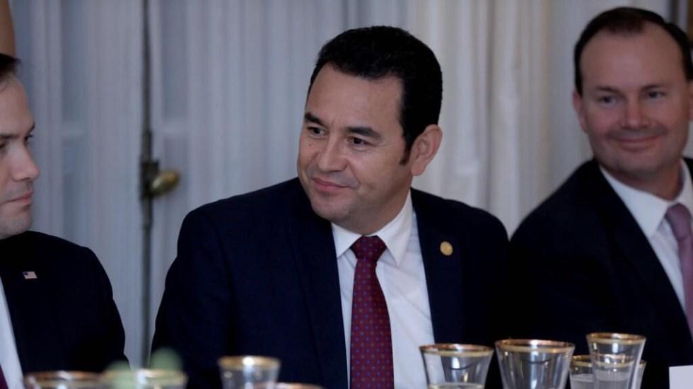 Jimmy Morales pide a presidente electo modernizar al Ejército de Guatemala - Jimmy Morales, presidente de Guatemala. Foto de @jimmymoralesgt