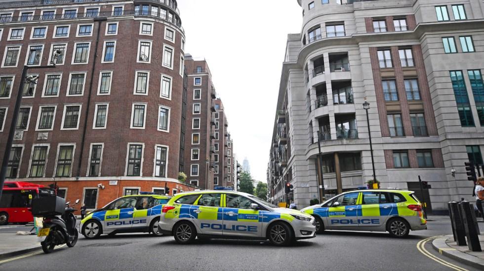 Acuchillan a hombre afuera del Ministerio del Interior de Londres - londres
