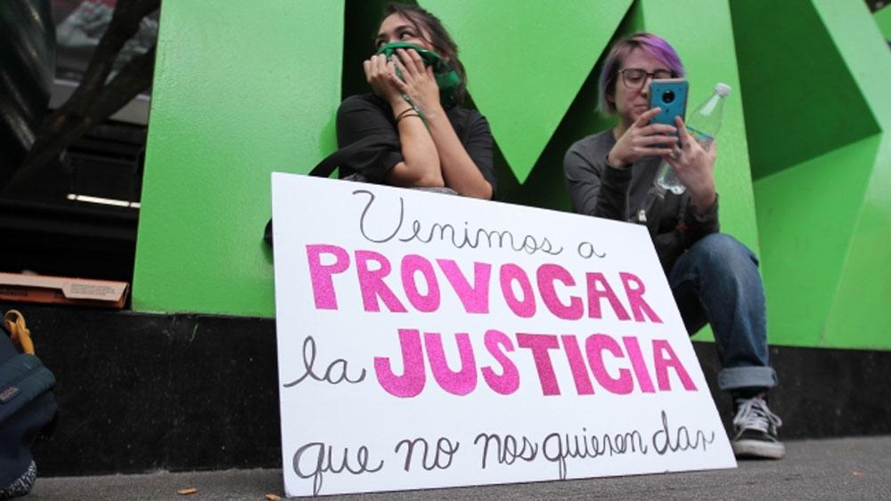 López Obrador reitera respaldo a Sheinbaum tras marcha feminista - manifestacion feminista