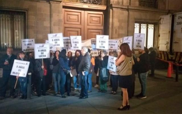 Extrabajadores de Mexicana se manifiestan en Palacio Nacional - manifestación mexicana palacio nacional