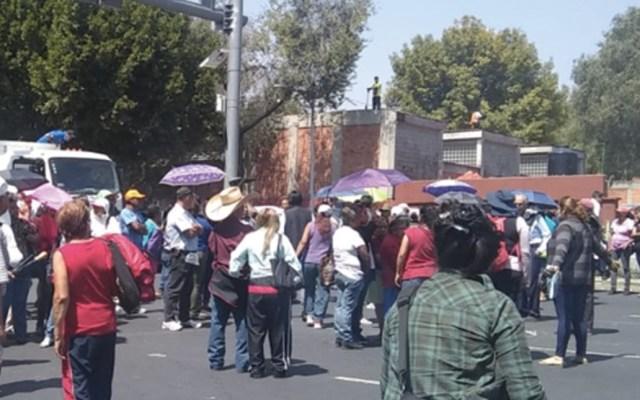 Damnificados de Xochimilco bloquean calzada San Antonio Abad - Foto de Ovial