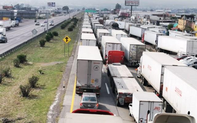 Continúa tránsito detenido en la autopista México-Querétaro - México-Querétaro a la altura de San Juan del Río. Foto de LDD