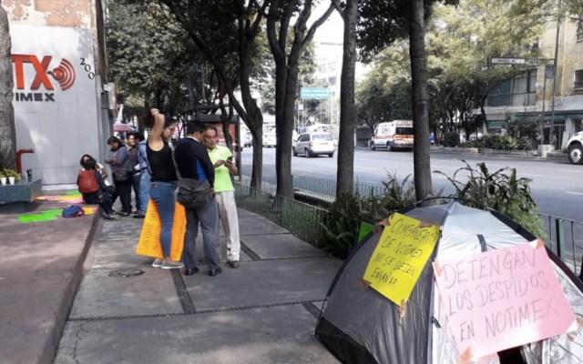 Ex empleados de Notimex exigen el pago de sus liquidaciones - Notimex manifestación