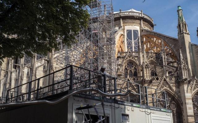 ONG demandará a funcionarios por consecuencias tóxicas tras incendio en Notre-Dame - Foto de EFE