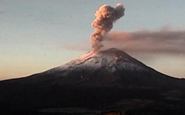 Popocatépetl emite columna de ceniza de 2.5 kilómetros - popocatépetl caída de ceniza tlalpan xochimilco y tláhuac