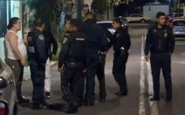 Detienen a dos asaltantes de restaurante en Lorenzo Boturini - robo Lorenzo Boturini