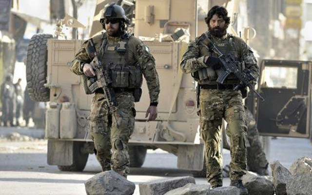 Francotirador del SAS mata a terroristas a 2.4 kilómetros de distancia - SAS soldados Kabul francotirador