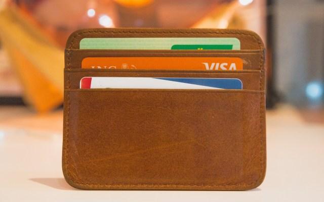 Condusef pide revisar saldo de tarjetas bancarias tras falla de terminales - Tarjetas bancarias. Foto de Web Hosting / Unsplash