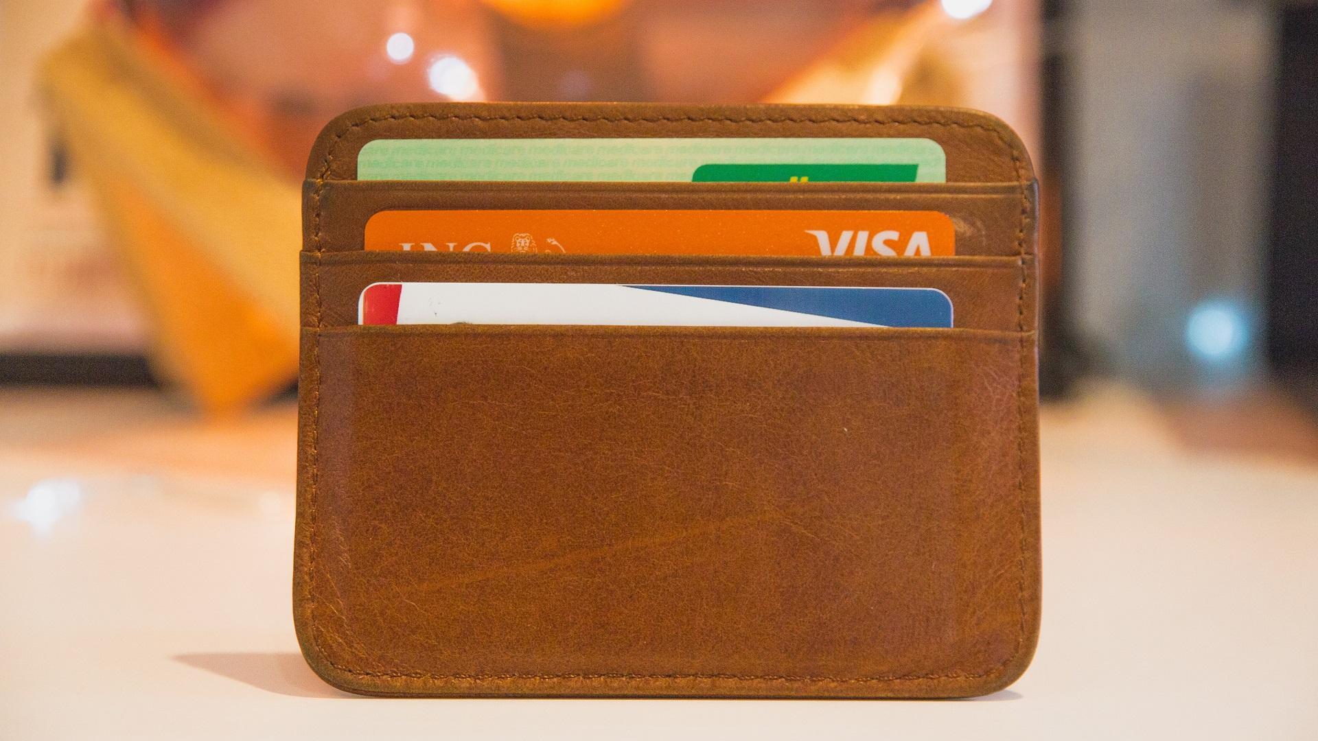 Tarjetas bancarias. Foto de Web Hosting / Unsplash
