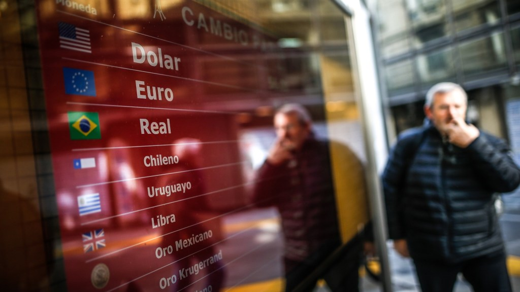 Mercados siguen convulsionados tras primarias en Argentina. Noticias en tiempo real