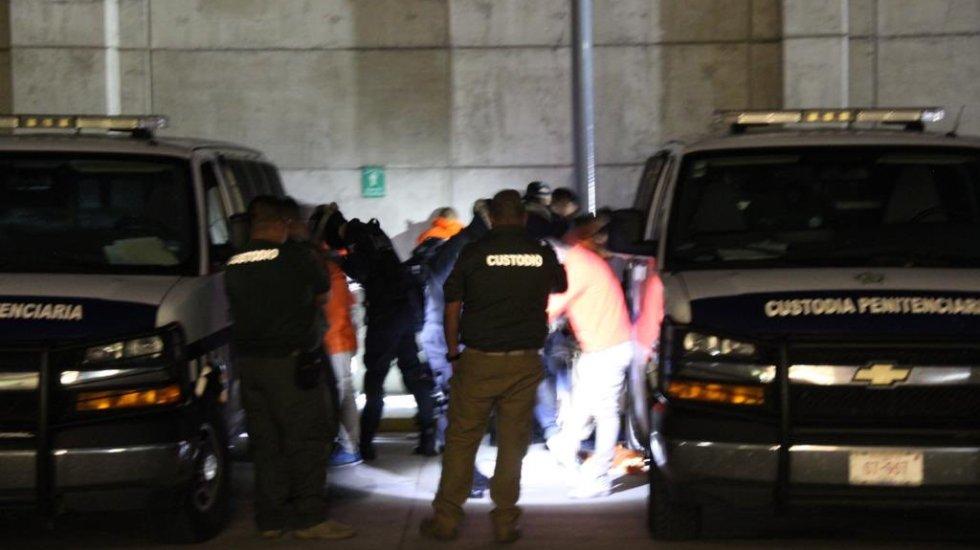 Trasladan a 23 reos de Veracruz a penales federales - trasladan a reos de veracruz a penales federales