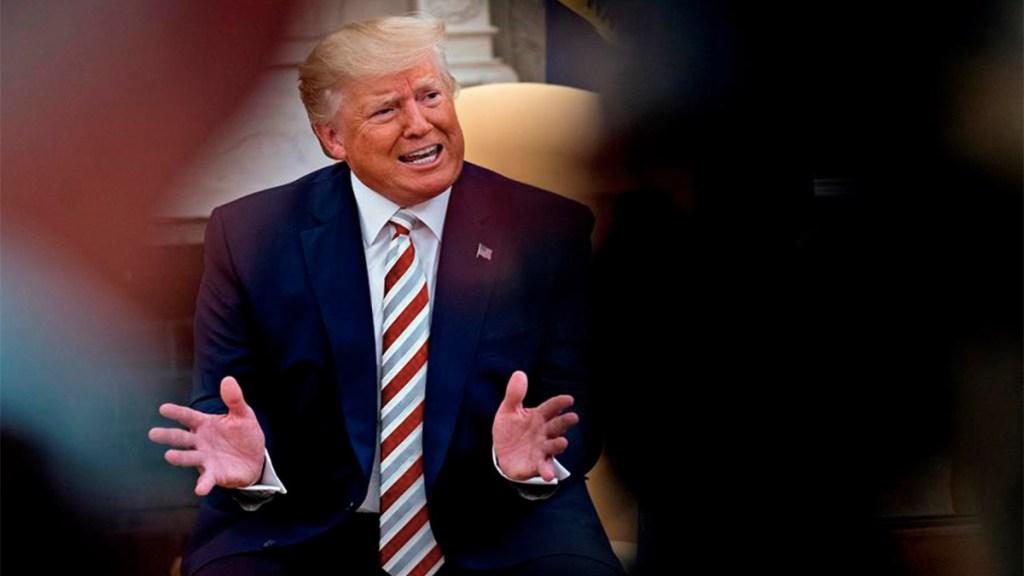 """""""Es ridícula"""": Trump sobre noticia de combatir huracanes con bombas nucleares - trump impuestos a salarios recesión"""