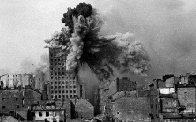 Polonia exige a Alemania reparación económica por Segunda Guerra Mundial - varsovia