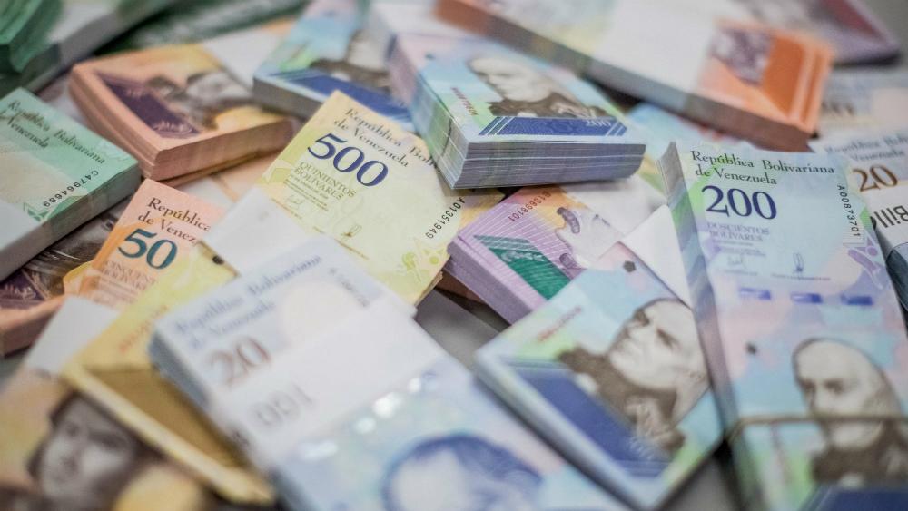 Moneda venezolana se deprecia un 52.07 por ciento frente al dólar en un mes. Noticias en tiempo real